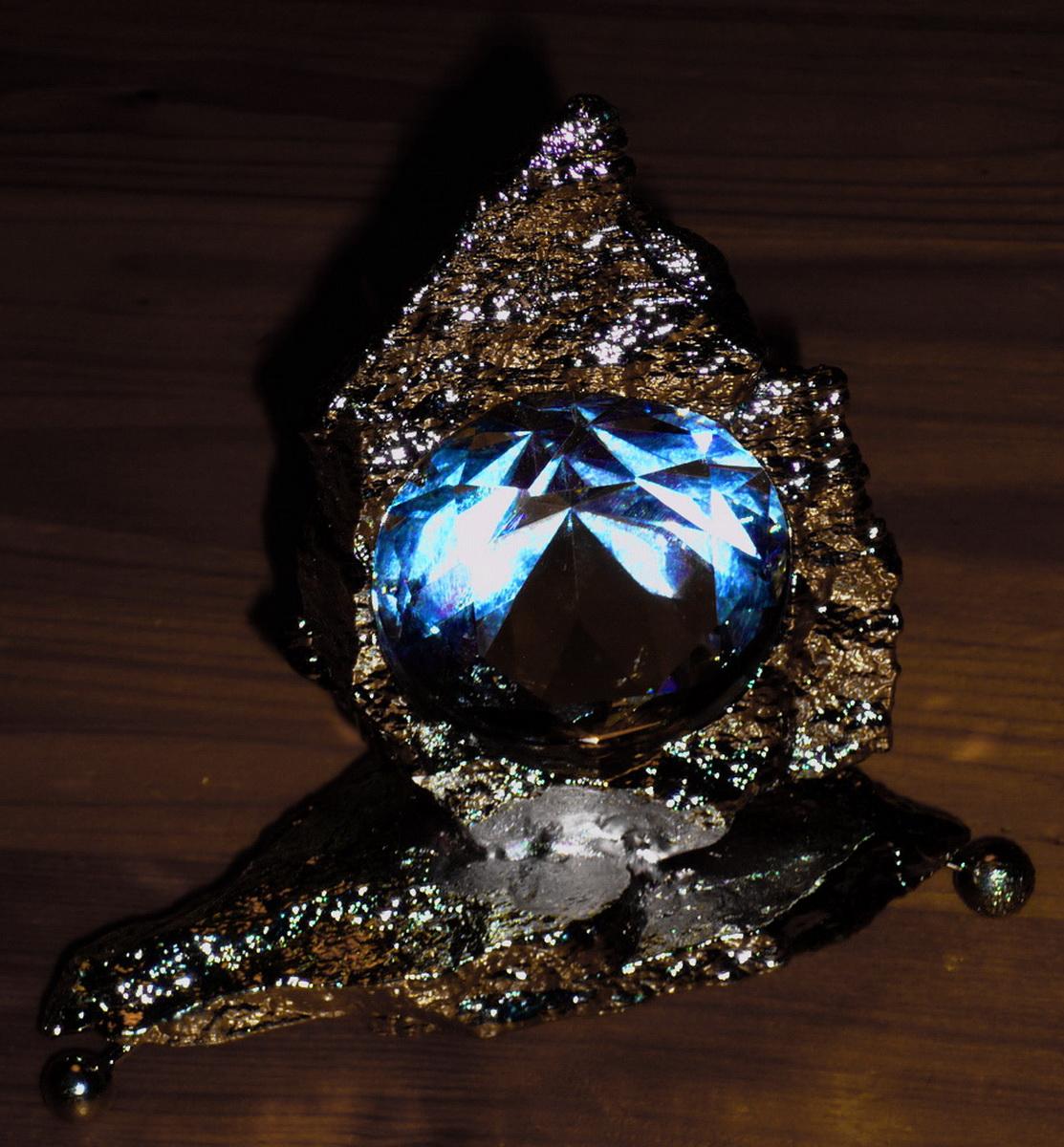 kristall latest ein kristall ist ein krper der durch gerade kanten und ebene flchen begrenzt. Black Bedroom Furniture Sets. Home Design Ideas